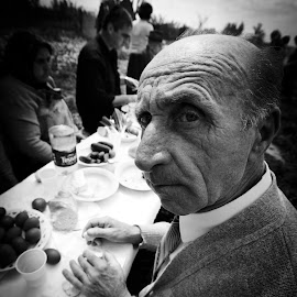 Nea' Bebe by Dragos Dumitrescu - People Portraits of Men ( easter, black and white, bebe, lunch, portrait,  )