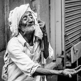by Akash Dubey - People Street & Candids