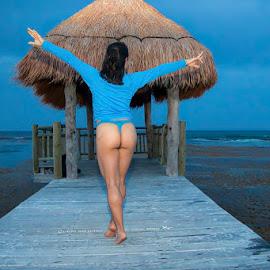 Freedom by Antonio Gansa - Nudes & Boudoir Boudoir ( boudoir, seascape, woman, nature, nude )