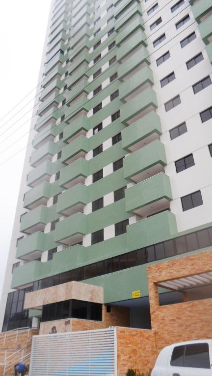 Excelente apartamento para locação no Bairro Treze de Maio.