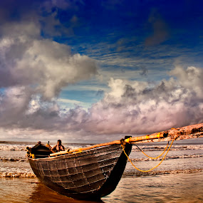 Boat with his Sailor by Fotosutra - a PRASANTA SINGHA photography - Transportation Boats
