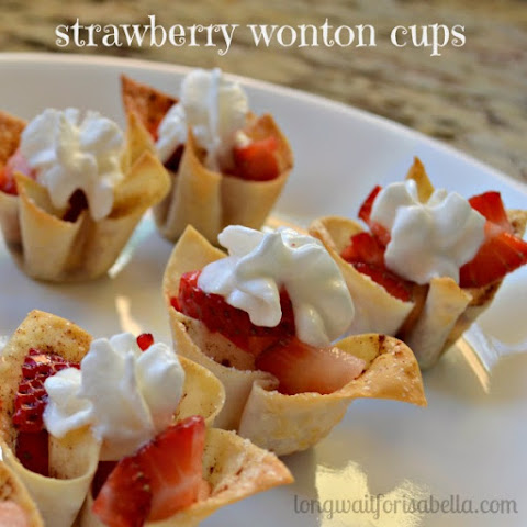 Easy Strawberry Wonton Cups