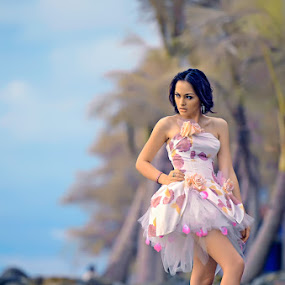 Beauty Girl at the Beach by Chandra Sugiharto - People Fashion ( model, fashion, false color, women )