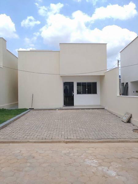 Alugo casa em condomínio fechado no Jardim das Oliveiras