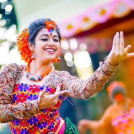 Dancing Beauty by নামহীন লেখক - People Musicians & Entertainers ( #sandip samanta )