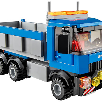 Экскаватор и грузовик