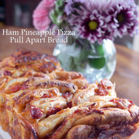 Ham and Pineapple Pizza Pull Apart Bread