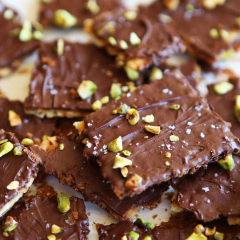 Chocolate Toffee Matzo Crunch