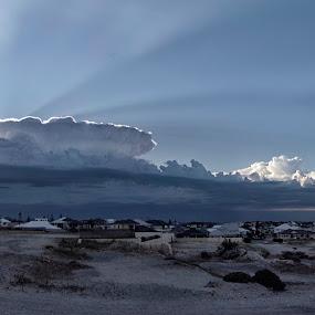 Light Storm by West Aus Storms . - Landscapes Weather ( thunder, cloud, weather, sunrise, storm )