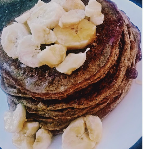 Amazing Healthy Banana Pancake { NO SUGAR ADDED }