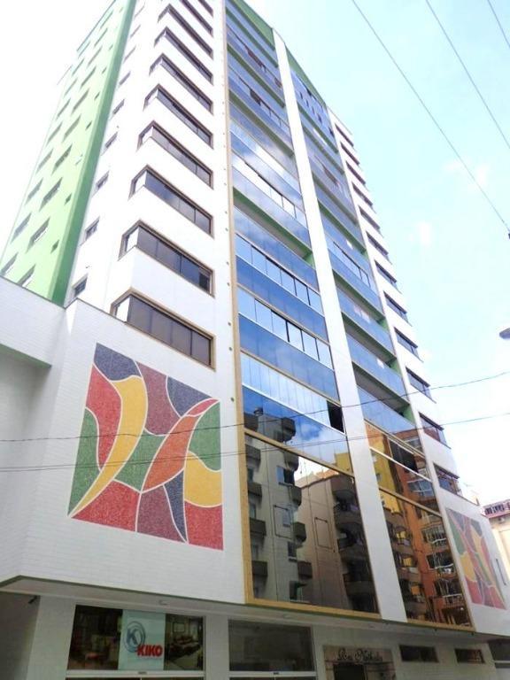 Apartamento com 4 dormitórios à venda, 193 m² por R$ 900.000 - Meia Praia - Itapema/SC