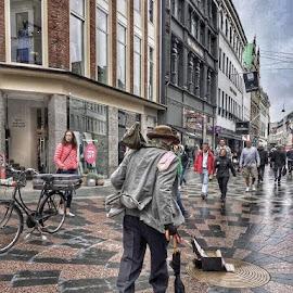 by Denise Bradley - City,  Street & Park  Street Scenes
