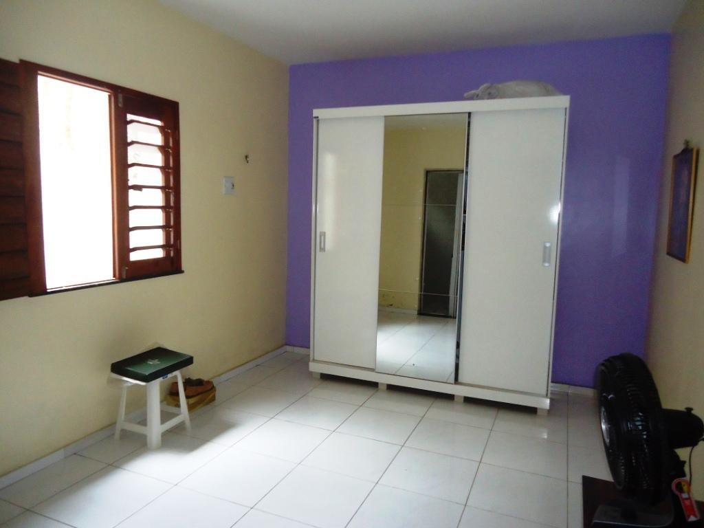 Casa / Sobrado à Venda - Henrique Jorge