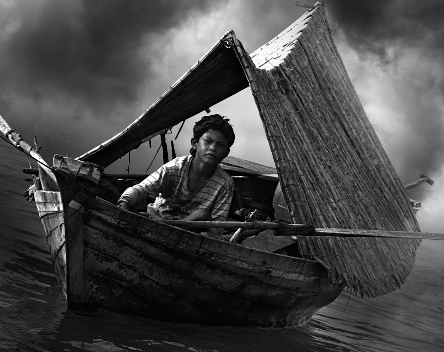 Sampan Kajang * BW by Oji Blackwhite - News & Events World Events ( black and white )
