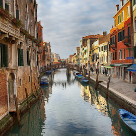 Calle Veneziano by Stefano Zorba - City,  Street & Park  Historic Districts ( venezia, tranquil, relax, barca, venice, tranquility, relaxing, calle )