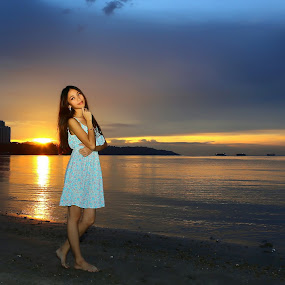 Sunset by Juanis Attau - Landscapes Sunsets & Sunrises ( sabah beauty, sunset girl, sunset in sabah )