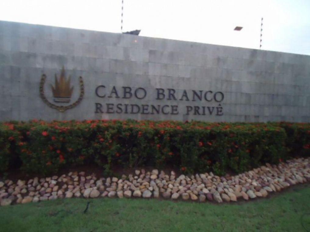 Terreno à venda, 360 m² por R$ 315.000