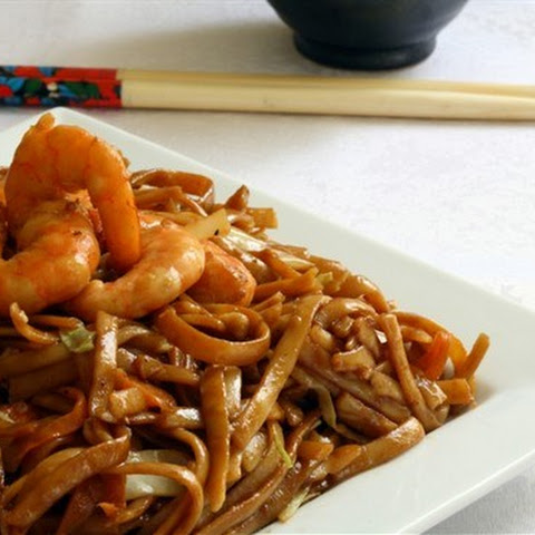 Chinese Fried Noodles with Shrimp