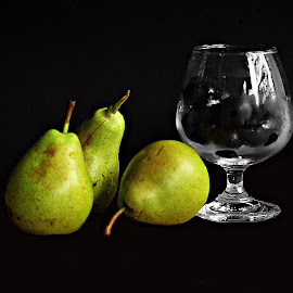 Pears and Jamuns by Prasanta Das - Food & Drink Fruits & Vegetables ( jamuns, fresh, glass, pears )