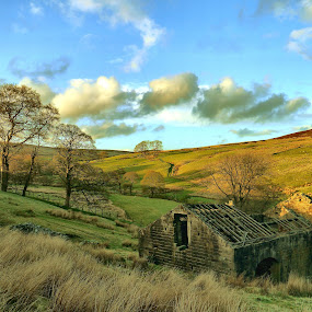 The Barn by James Holdsworth - Buildings & Architecture Other Exteriors ( hills, mountains, shadow, moors, cloud, sun, bronte )