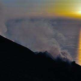 Volcanic Eraption by Tomasz Budziak - Landscapes Travel ( mountains, volcano, sunset, italy )