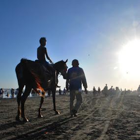 towards the sun by Muhamad Ezza Setiawan - News & Events World Events