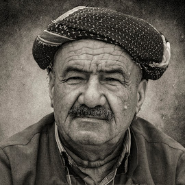 senior by Omer Yussuf Alnahi - People Portraits of Men ( people, portrait, senior )