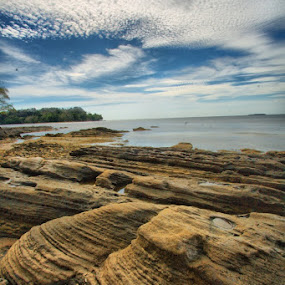 UJUNG INDAH by Zulkifli Sukarta - Landscapes Waterscapes ( indonesia )