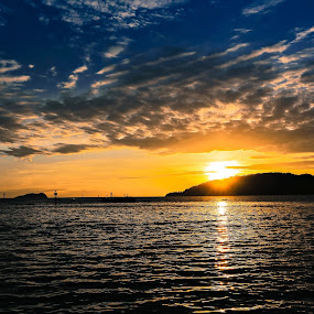 Sunset by Juanis Attau - Landscapes Sunsets & Sunrises ( sunset kota kinabalu esplanade, sunset in sabah )