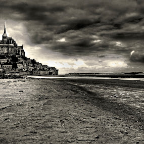 le mont dramatique by Boris Jakesevic - Travel Locations Landmarks ( landscpe, bw, france, travel, architecture, mont st michel )
