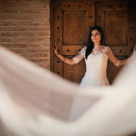 Bride by Arici Ciprian Claudiu - Wedding Bride ( fotograf nunta, wedding photographer, bride, fotograf profesionist, portrait )