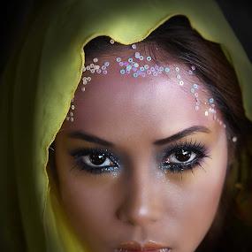 by Edwin  Mendoza - People Portraits of Women ( women; )