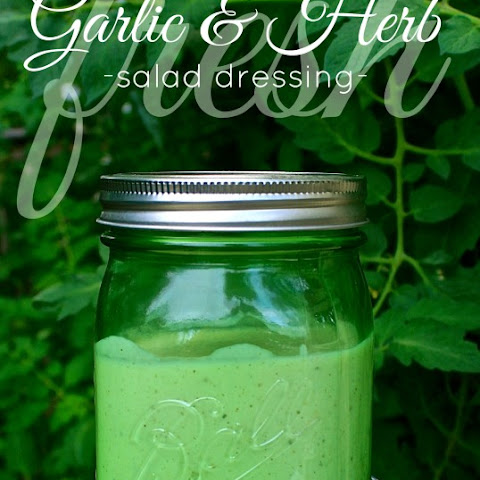 Creamy Fresh Garlic & Parmesan Herb Salad Dressing