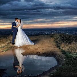 Sunset love by Vasiliu Leonard - Wedding Bride & Groom ( miri, wedding, luxmariaj, sedinta foto nunta, bride, vasiliu leonard, groom, nunta )