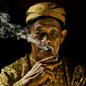 smoker#5 by Yaman Ibrahim - People Portraits of Men