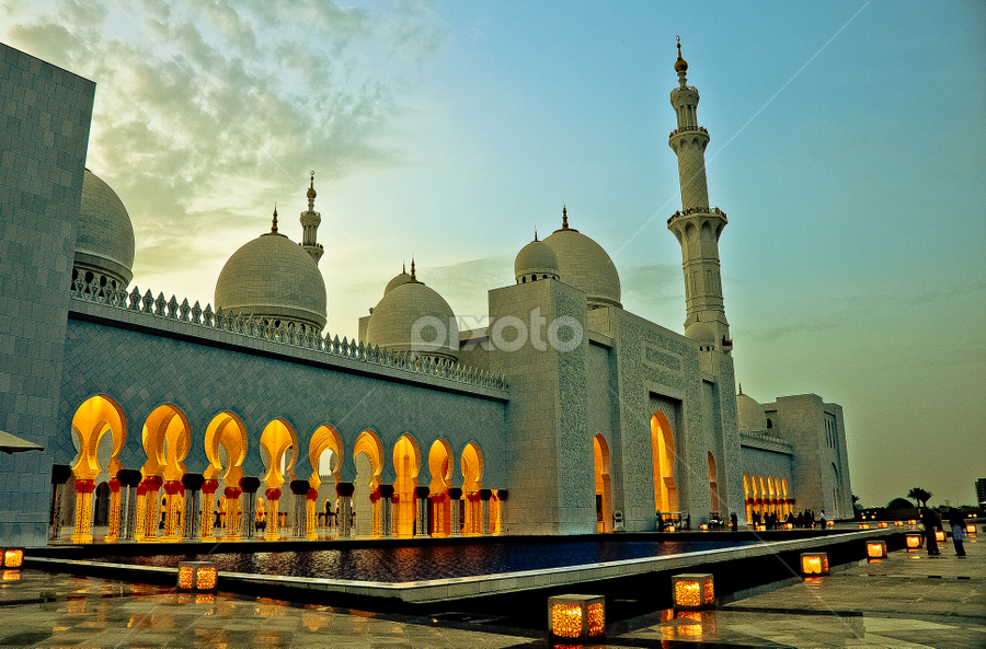 The Grandiosity of Sheikh Zayed Mosque by Wallei Trinidad - Buildings & Architecture Other Exteriors