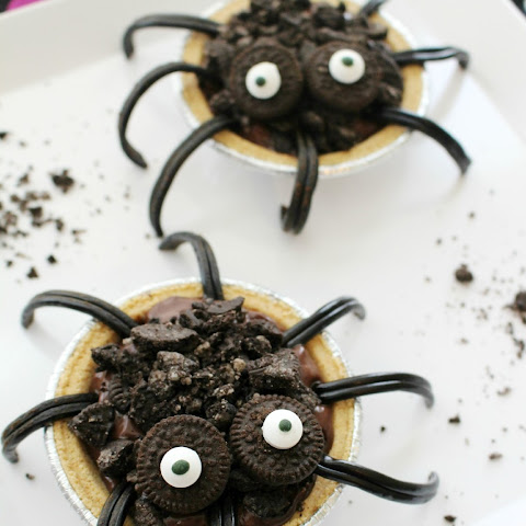 Chocolate Oreo Spider Pies