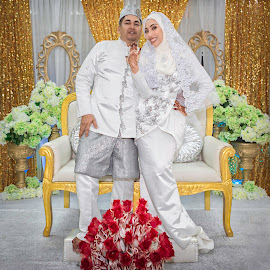 by Wang David - Wedding Bride & Groom