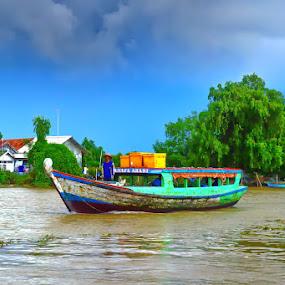 by Ilham  Eka prasetya - Transportation Boats ( travel photography, nature, river, boat, transportation )