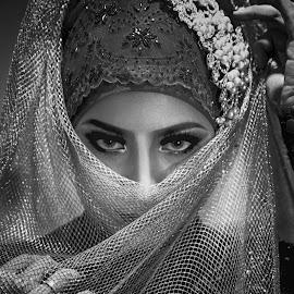 by Endriq Abdhinagara - People Portraits of Women