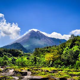 Merapi by Curly Yanni - Landscapes Mountains & Hills ( gunung, merapi,  )