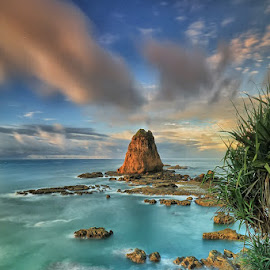 the Rocks by Ina Herliana Koswara - Landscapes Waterscapes ( water, waterscape, sea, long exposure, rocks )