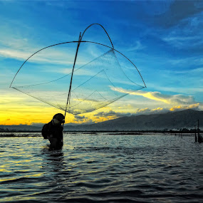 menjaring ikan by Aan Unchu - Landscapes Sunsets & Sunrises