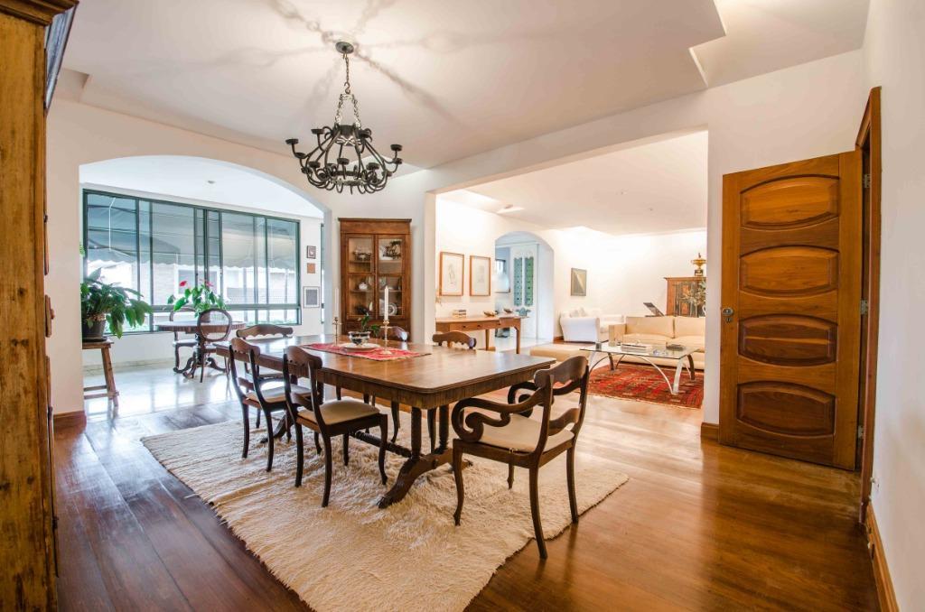 Casa em Condomínio com quartos para Alugar, 800 m²