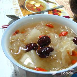White Tree Fungus in Clear Broth (Canh Moc Nhi Trang Recipe)