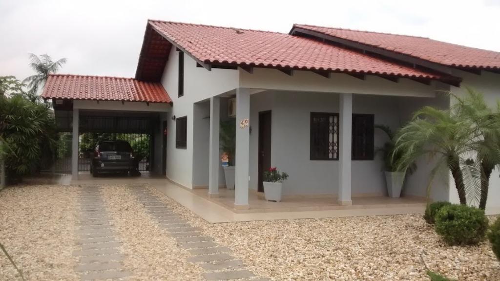Linda casa residencial à venda, Joinville!!