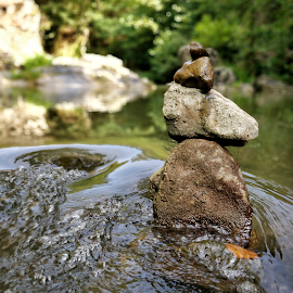 Still moves by Stelu Harsan - Instagram & Mobile Android ( balance, autumn, water )
