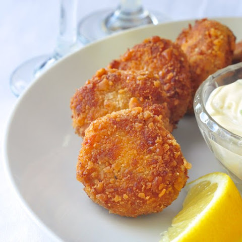 Crab Cakes with Lime Chive Mayonnaise