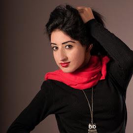 Glamour by Sheshadri D R - People Fashion ( glamour, studio, fashion, lighting, fashion photography, portraits, people )