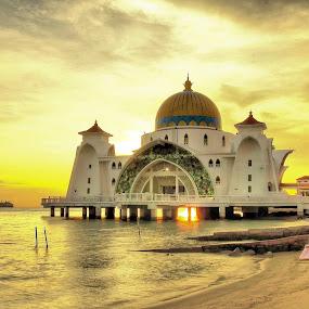 Masjid Selat | Melaka | Malaysia by Mohd Roslan Hisam - Buildings & Architecture Other Exteriors ( masjid selat )